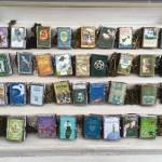 Beth's Creations: vestitevi di libri!